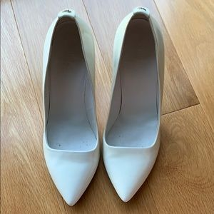 Gucci white patent pumps -worn once